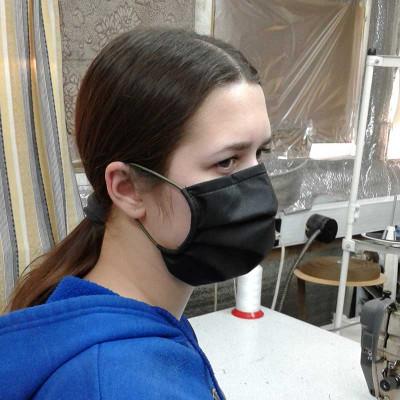 Защитная маска черная