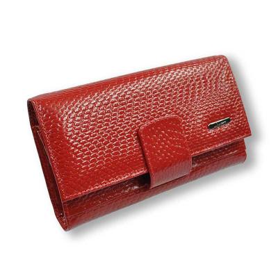 Кошелек женский кожаный красный лак с тиснением